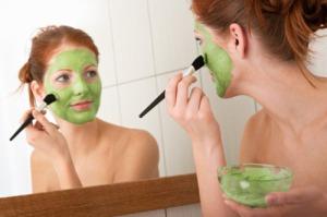 Tảo mặt trời Spirulina, giấm táo và mật ong giúp bạn trị nám da hiệu quả